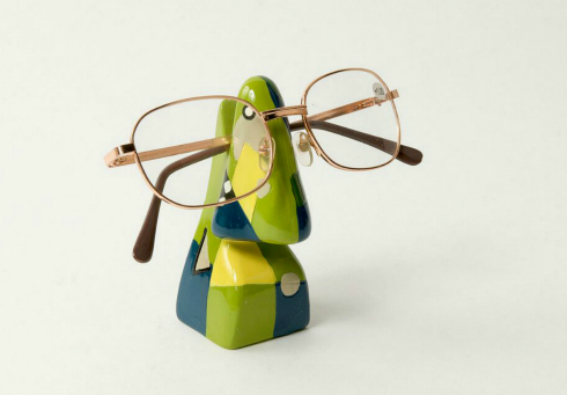 Abstract Nose Eye Glass Holder 2