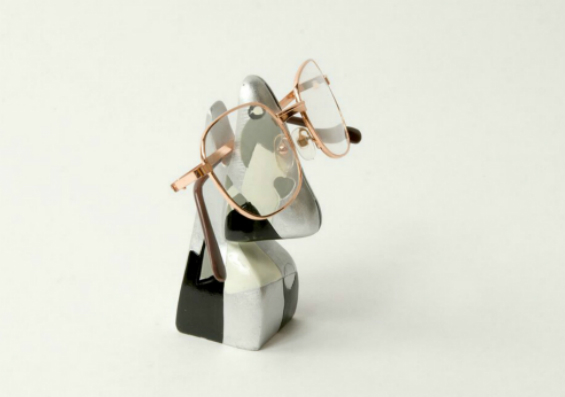 Abstract Nose Eye Glass Holder 3