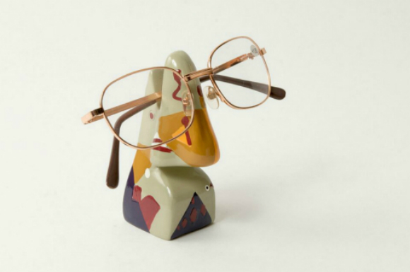Abstract Nose Eye Glass Holder 4