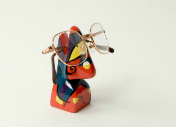 Abstract Nose Eye Glass Holder 11