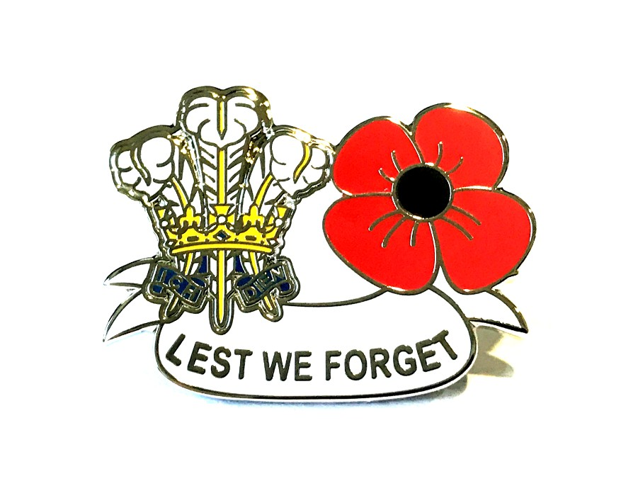 Lest We Forget Crown and Poppy Pin Badge